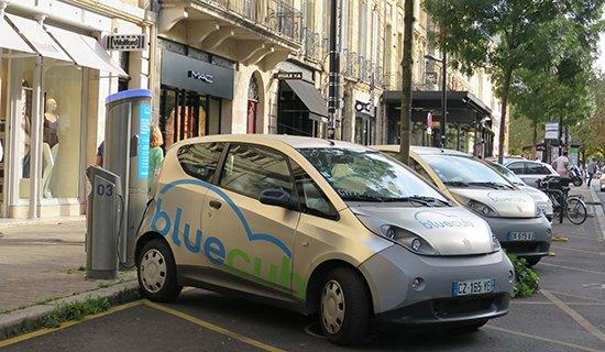 Autopartage : après Autolib à Paris et Bluely à Lyon, Bolloré va arrêter Bluecub à Bordeaux