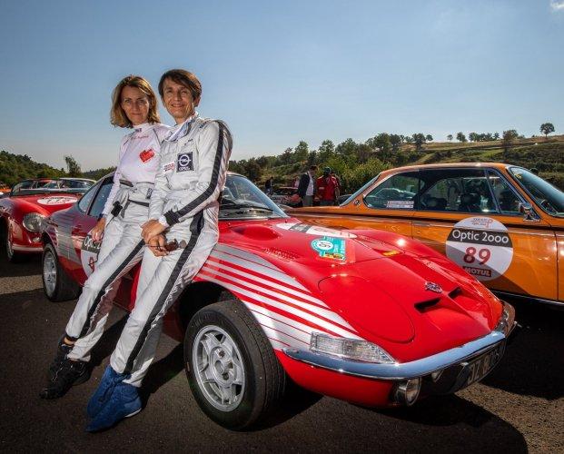 Mélina Priam et Anne Chantal Pauwels deuxième de la catégorie intermédiaire du Tour Auto 2020