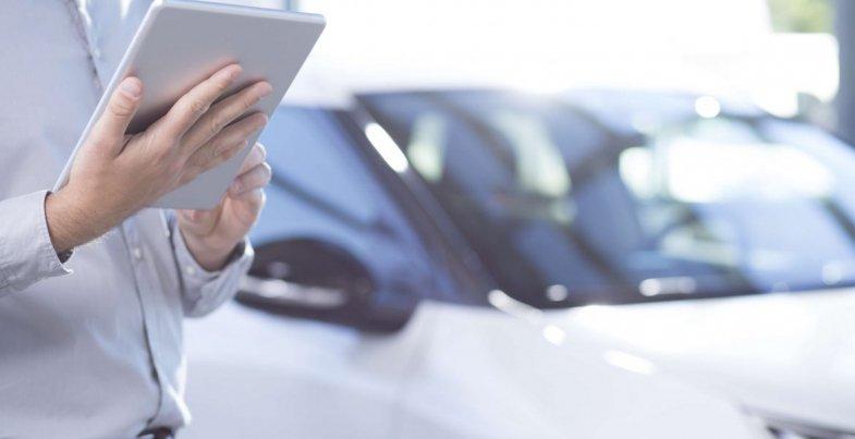 Les caractéristiques techniques d'un véhicule simplement en entrant son immatriculation avec Autoways