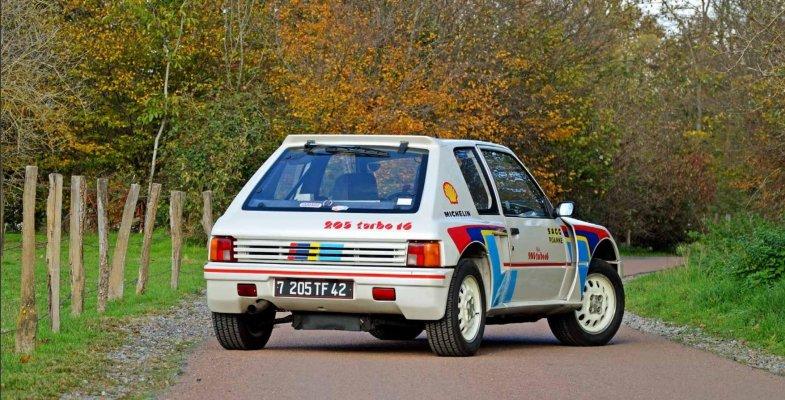 Une Peugeot 205 Turbo 16 vendue près de 300.000 euros