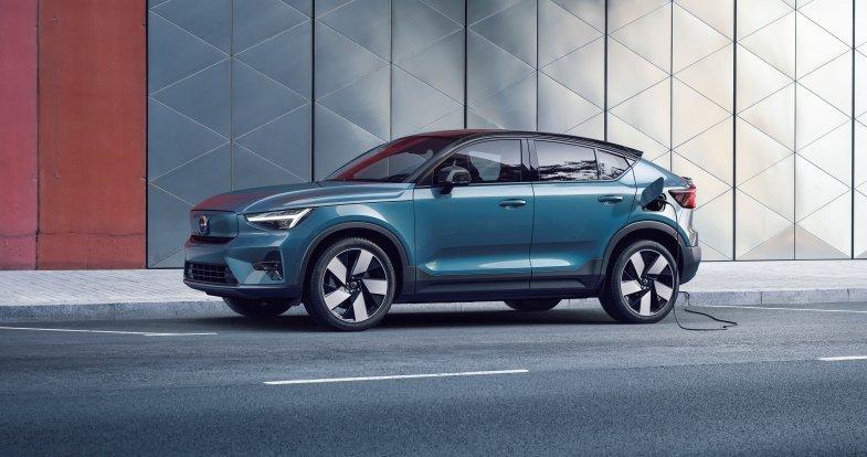 Volvo ouvre les commandes de son SUV coupé électrique