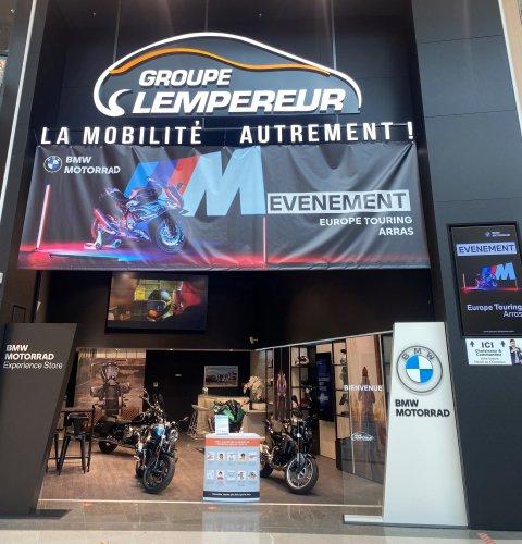 Le groupe Lempereur met son pop-up store aux couleurs de BMW motos