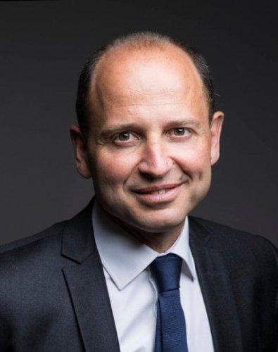 Jean-Hugues Delvolvé quitte le groupe Société Générale, Ludovic Van de Voorde nommé directeur général de CGI Finance