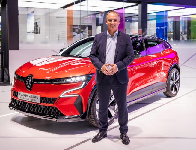 """Fabrice Cambolive, directeur ventes et opérations Renault : """"Nous avons mis le produit au cœur du processus de décision"""""""